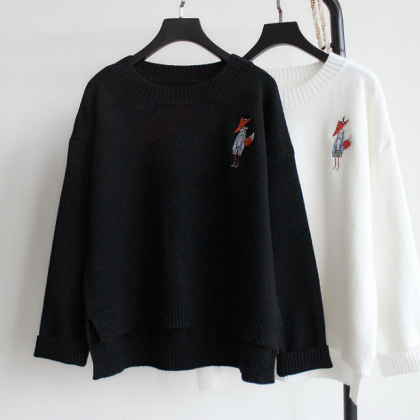 Fox Stitched Knitted Crew Neck Long..