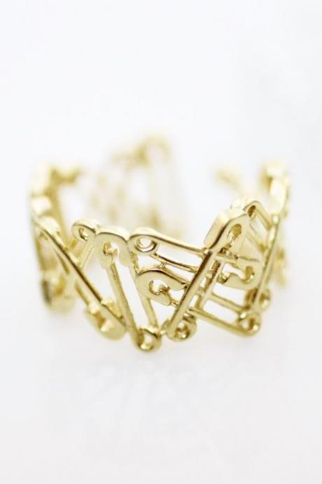Safety Pins Ring / safey pins Statement ring in gold, silver - Adjustable Ring