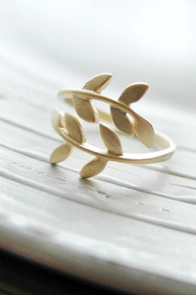 Gold Leaf Adjustable Ring In Gold