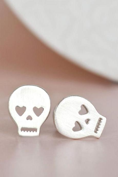 2016 new cute Silver Skull Earrings, Pirate Sugar Skeleton Head Ear Posts for summer