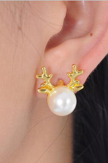 Fashion women Christmas deer Pearl Stud Earrings