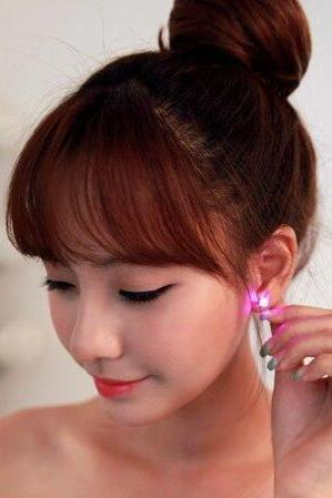 Led Crown shape flashing stud earrings