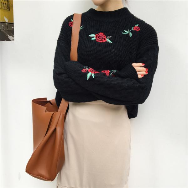 Knitted Sweater with Roses Embroidery - Black / White